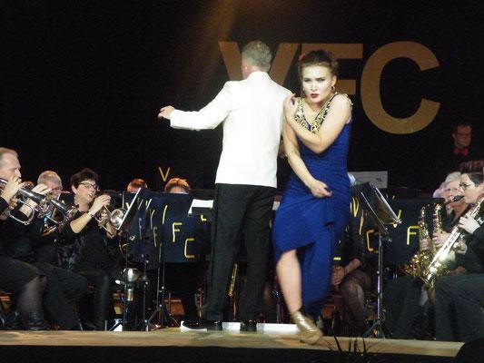A-orkest en Danseres