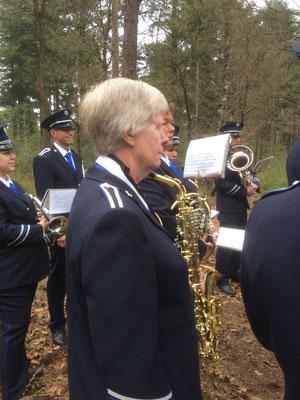 Leden van VFC in actie tijdens de herdenking van T for Tommy in Gortel