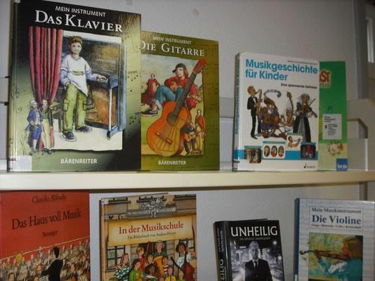Auswahl neuer Bücher vom Thementisch