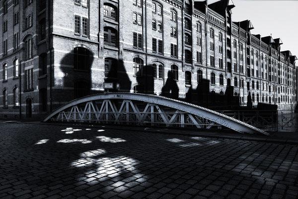 Architekturfotografie - Architekturfoto aus der Hafencity von Jürgen Müller Hamburg