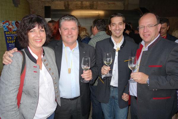 Weinburgenland Obmann Matthias Siess mit Christian Zechmeister und LR Andreas Liegenfeld