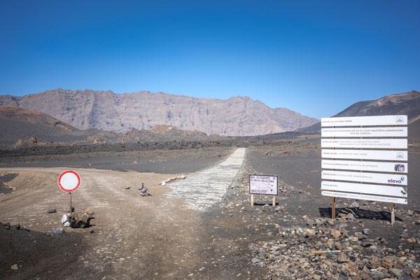 Fogo Vulkaninsel. Letzter Ausbruch 2014 (!) Alles neu erbaut auf den Lavaströmen 14 !!