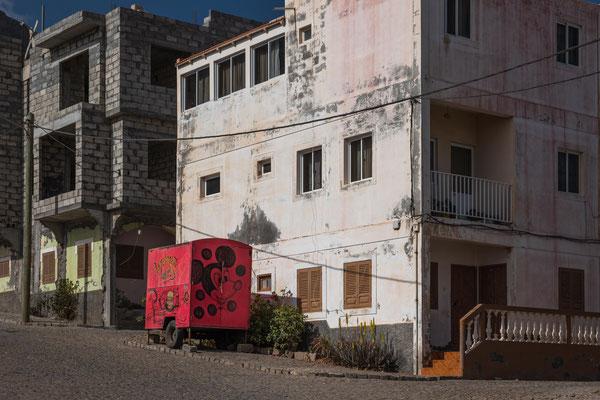 Wir erkunden gemütlich die kleine Ortschaft Punta da Sol