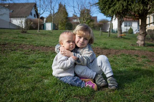 Familienbilder Odenwald - Familienfotograf Odenwald - Geschwister in Fränkisch-Crumbach