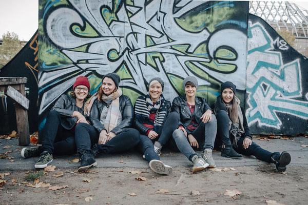 Freundeshooting Darmstadt - Fotos von Freunden - Gruppenbild im Skatepark
