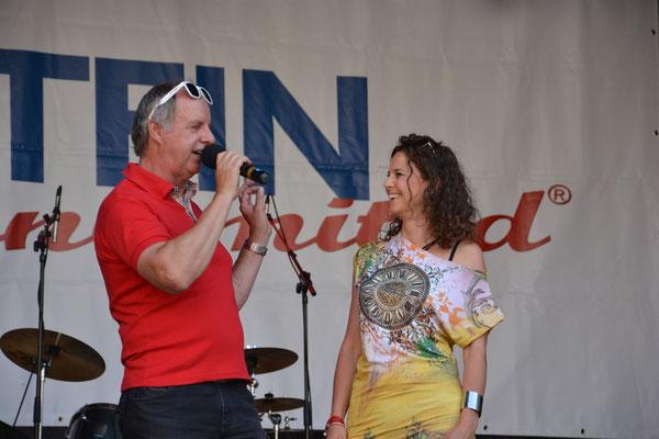 Geschäftsführer der KUFSTEIN unlimited Festival GmbH & Moderatorin Adriane Gamper