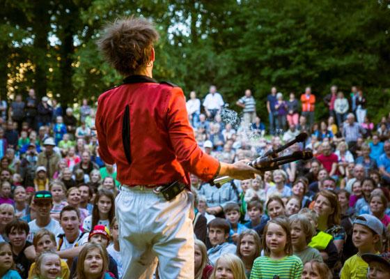 """Der Kaosclown mit seiner Show """"Kids Deluxe"""""""