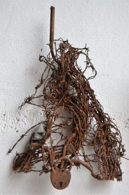 1995 Dr. Dietmar Hawran - www.kunstarsenal-ravensburg.de -Metallobjekt, ca. 20 x 40 cm