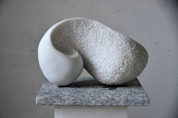 "2016 Dr. Dietmar Hawran - www.kunstarsenal-ravensburg.de ""Laaser Schnecke"", Marmor"