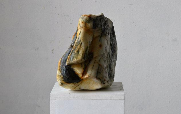 "2016 Dr.  Dietmar Hawran - www.kunstarsenal-ravensburg.de  ""Zyklop 3"" Flussstein aus dem Laaser Bach, ca 30 x 25 x 20 cm"