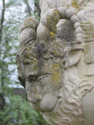 Skulpturen in einem der Barockgärten