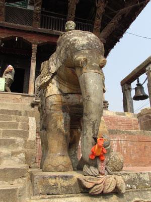 von Elefanten bewacht