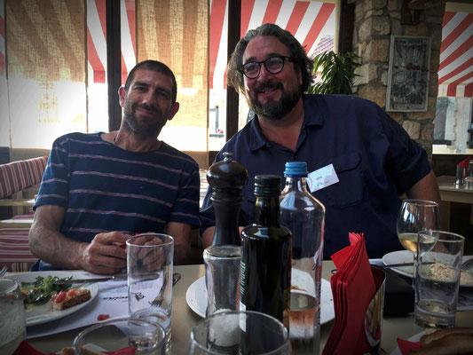 Prokopis und Ralf beim gemeinsamen Mittagessen
