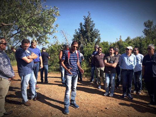 Prokopis hält einen Impulsvortrag zum Thema Bodenbearbeitung