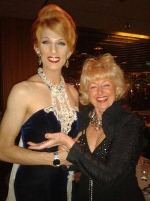 mit Sängerin Stefanie Simon auf dem Berliner Theaterball 2013