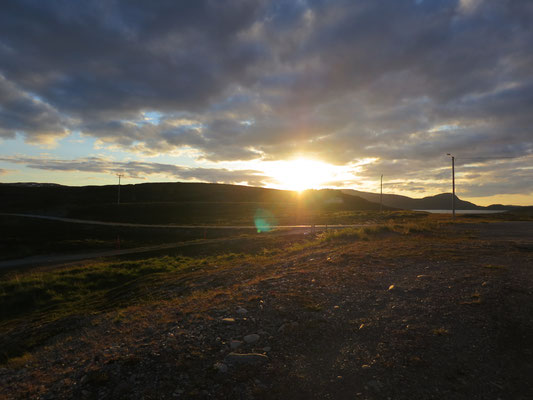 Mitternachtsonne am Porsangerfjord