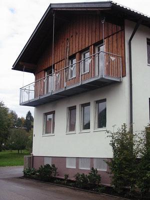 Abgehängte Balkonkonstruktion