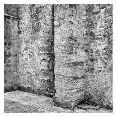 Kirchenmauer in Vejer, Spanien 2015 / Edition 50x50, 100x100cm