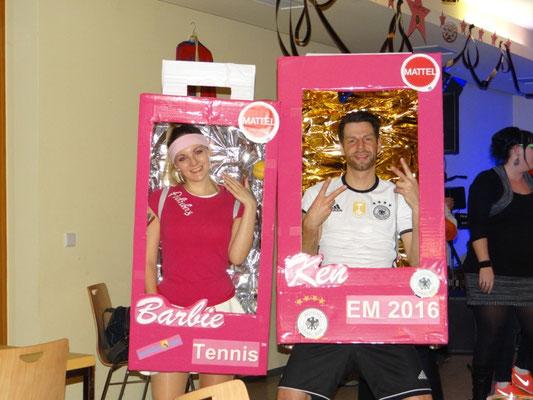 Barbie und ihr Ken sicherten sich den ersten Platz bei der Maskenprämierung (Beste Maske)