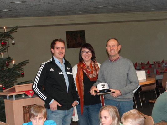 Die Abteilung Fußball bedankte sich bei Schmid Alois und Ring Andreas für das Engagement bei den E2-Junioren