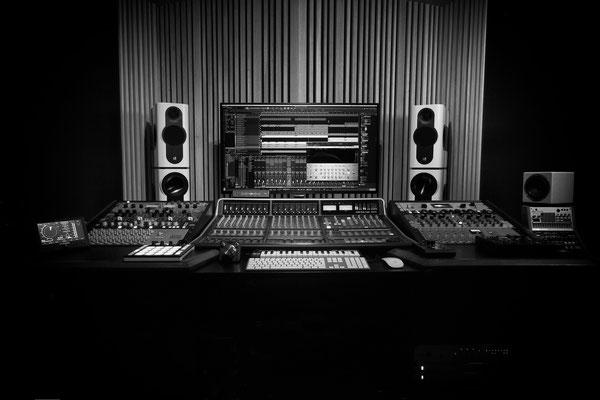 Kii THREE BXT Studio