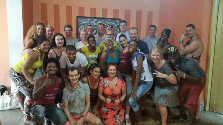 Dance teachers with crew from Finnair