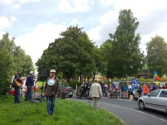 2016-07-15 FriBü Hannover + Netzwerk Friedenssteuer