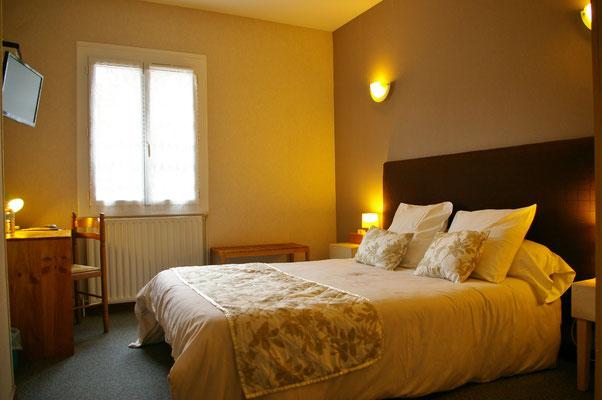Chambre, room hotel 2 Astaffort