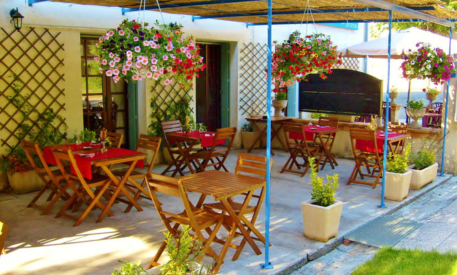 restaurant, terrasse, parking,hotel, chambre d'hote, astaffort, layrac