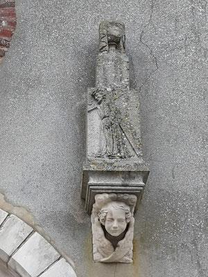 Côté droit du portail