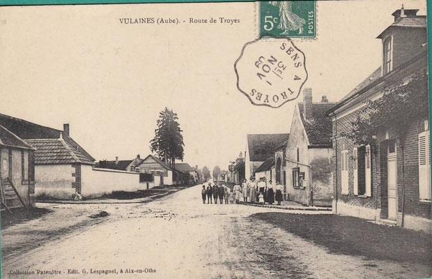 Entrée de Vulaines RD 660 angle de la Rue du Montier et de la Rue de l'Eglise