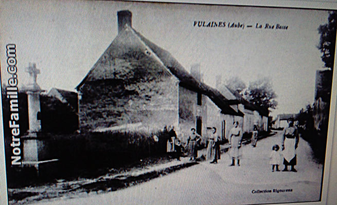 Rue de l'Ancien Moulin angle de la Route de Rigny