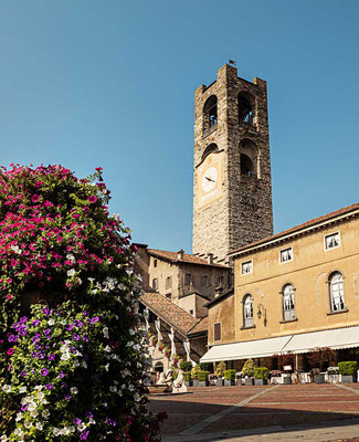 Piazza Vecchia, Cittá Alta, Bergamo, Lombardei, Italien