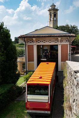 Die Funicolare zum castello San Vigilio, Bergamo, Lombardei, Italien