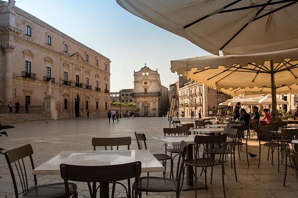 An der Piazza beim Dom, Ortigia, Syrakus, Szilien