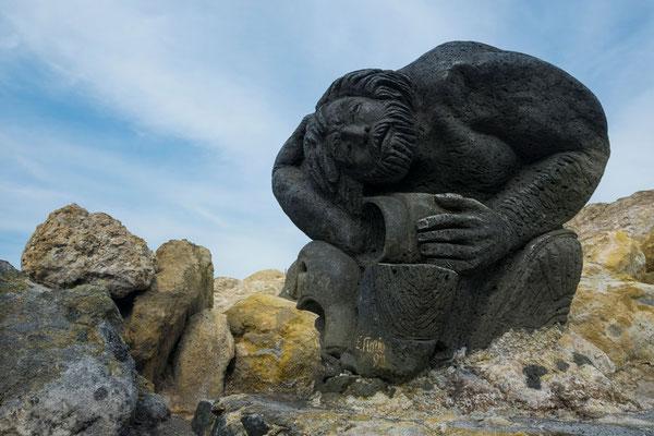Skulpturen aus Lavagestein auf Vulcano, Äolische Inseln, Sizilien.