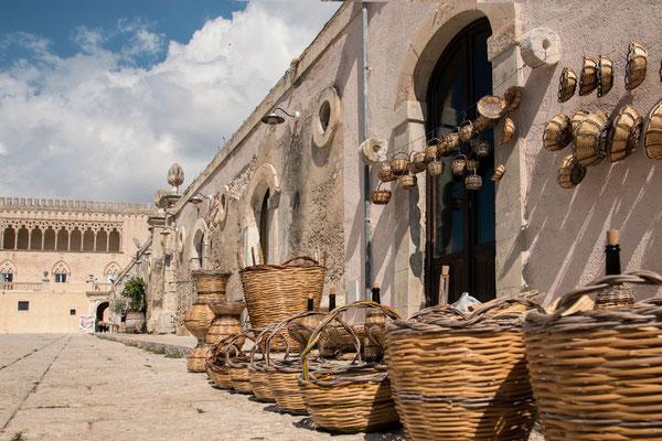 Castello di Donnafugata - Ein Landgut , auf dem schon einige Filme gedreht wurden und wo ganz hervorragender Wein angebaut wird, Provinz Ragusa, Sizilien
