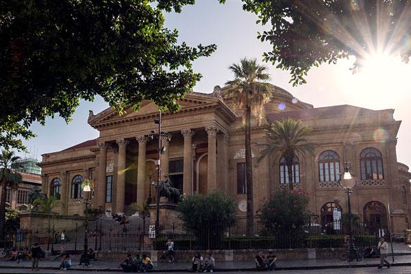 Das Opernhaus - Teatro Massimo - in Palermo, Sizilien