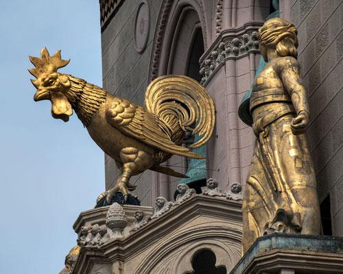 Der Löwe brüllt, der Hahn kräht, ein Chor singt und eine Kircher erscheint am Horizont - immer mittags um 12 Uhr in Messina, Sizilien