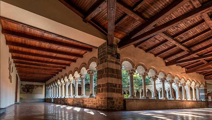 Abbazia di Piona, wunderbare Klosteranlage am nördlichen Ostufer des Comer Sees, Comer See Region, Lombardei, Italien