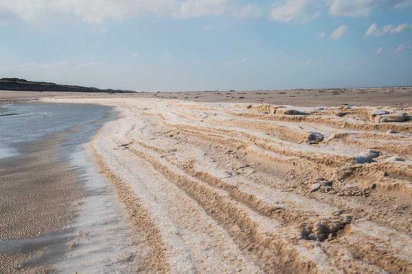 Winterliche Temperaturen zaubern bizarre Muster in den Sand, Sylt