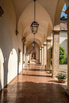 Die Villa d'Este ist ein einziges Kunstwerk, ob nun das Gebäude mit seinen unzähligen wunderbaren Freskenmalereien, dem Innenhof oder eben die Pracht der Wasserspiele im Park