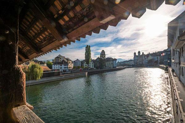Der erste Blick auf die Stadt - Spreuerbrücke, Luzern, CH