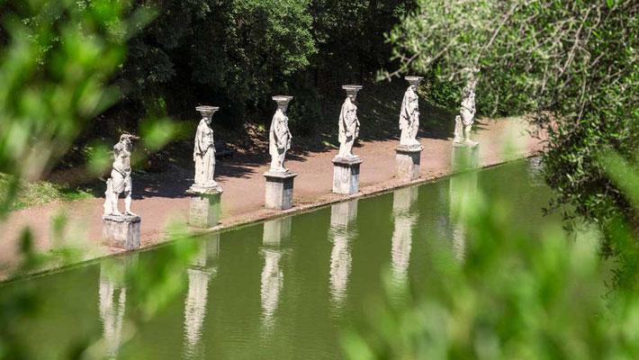 Der versteckte Blick auf das Bassin der Villa Adriana