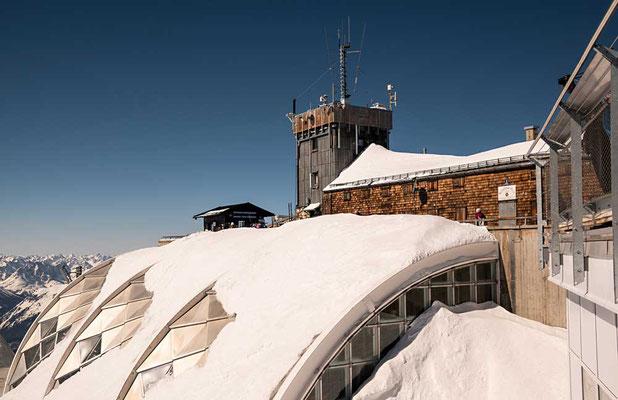 Bayerisches Haus & Wetterstation auf der Zugspitze
