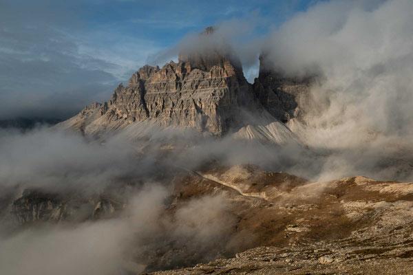 Wolken und Nebel vor dem Panorama der 3 Zinnen