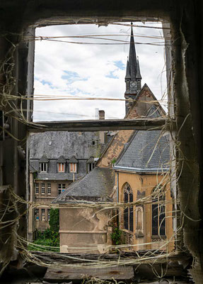 Blick auf die Lirche vom Schul- und Wohntrakt aus - Kent School, Waldniel-Hostert