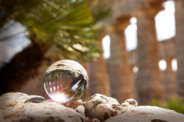 Der Blick in die Kristallkugel - Segesta, Stadt der Antike, in der Region von Castellammare del Golfo
