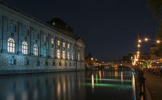 Lauschiger Abend an der Spree / Monbijoubrücke & Bode Museum
