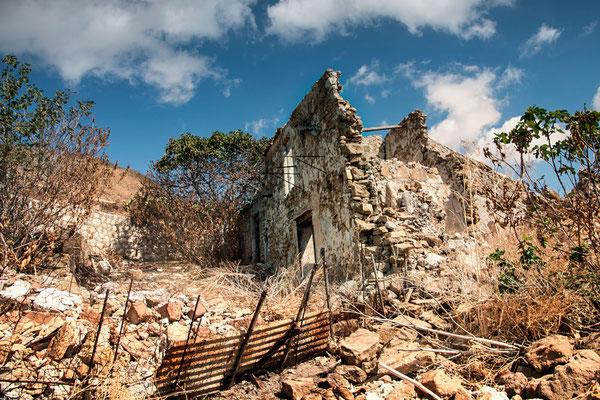Die Schäden des Beben und der zahn der Zeit tun sein übriges, Poggioreale, Sizilien